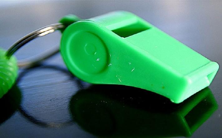 Общество: В школах Великобритании запретили использовать свистки