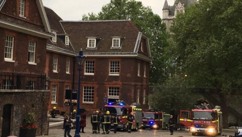 Происшествия: Из Лондонского Тауэра эвакуировали людей после пожара