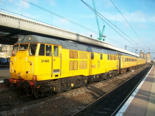 поезд Network Rail