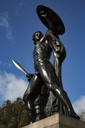 wellington-monument-in-hyde-park-1476431962zle