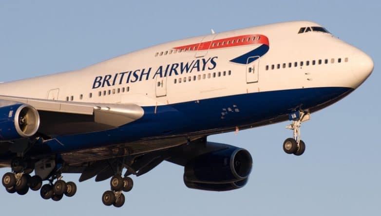 Закон и право: Власти Великобритании запретили пользоваться ноутбуками и планшетами в рейсах из стран Среднего Востока