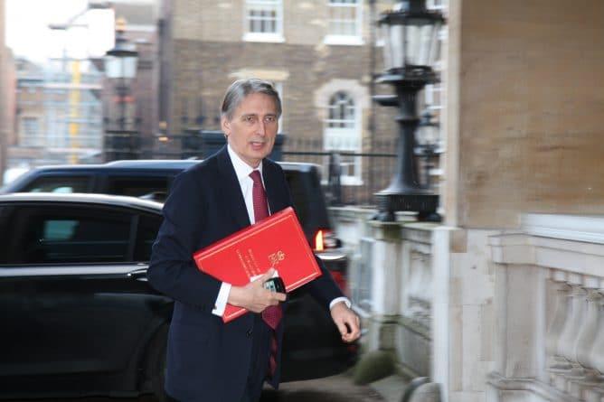 Бизнес и финансы: Новый бюджет: повышение налогов и сокращение расходов