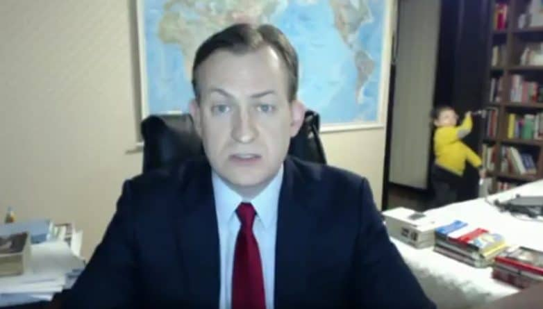 Юмор: Дети превратили прямой эфир на BBC в забавный курьез
