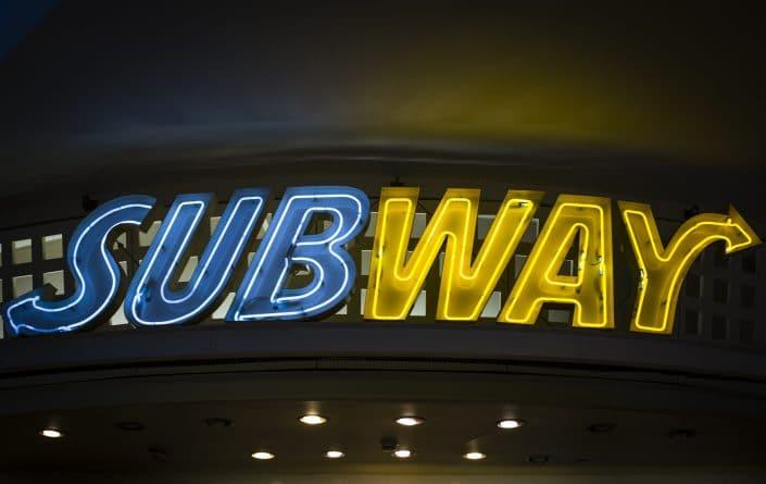 Популярное: Куриное мясо в Subway содержит меньше 50% ДНК курицы