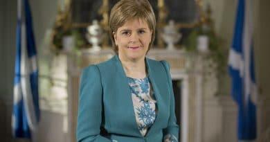 Шотландский парламент отложил дебаты о новом референдуме из-за теракта в Лондоне