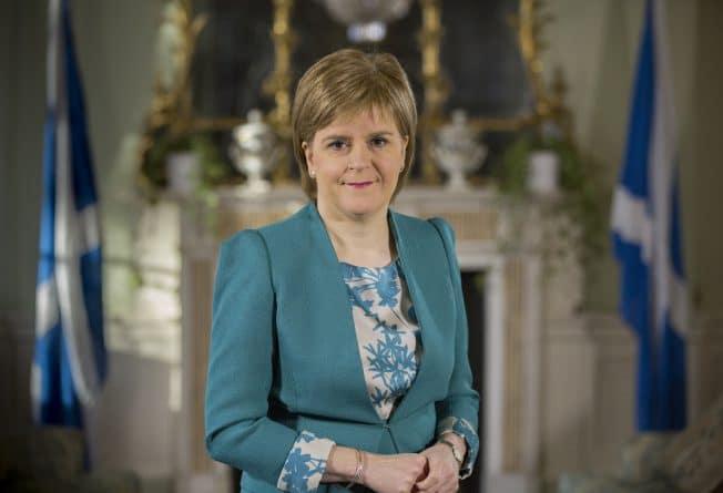 Закон и право: Шотландский парламент отложил дебаты о новом референдуме из-за теракта в Лондоне