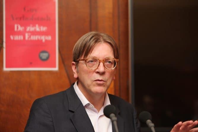 """Политика: Верхофстадт: теракт у Вестминстера продемонстрировал потребность """"оставаться вместе"""" с ЕС"""
