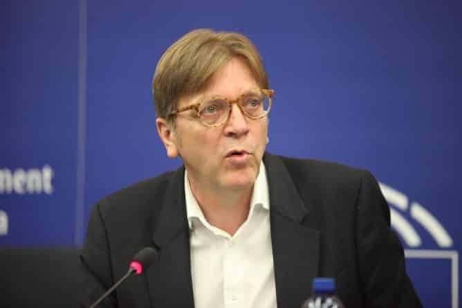 Политика: Верхофстадт: граждане ЕС смогут свободно въезжать в Британию до 2019