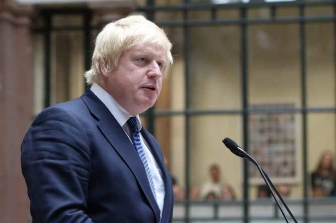 В мире: Между Россией и Великобританией разгорается дипломатический скандал