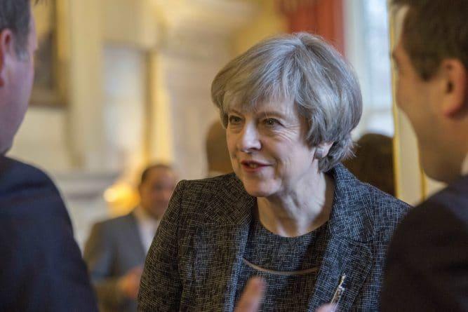 Политика: Турне Терезы Мэй. Следующая остановка - Шотландия