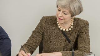 Неуплата 50 миллиардов: ЕС угрожает Британии иском