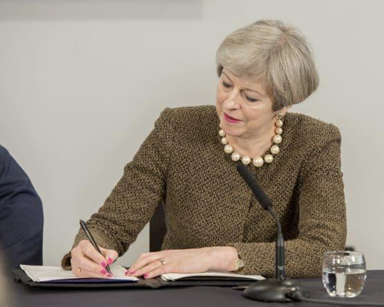Закон и право: Неуплата 50 миллиардов: ЕС угрожает Британии иском