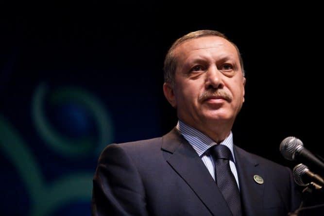 """В мире: Эрдоган назвал Нидерланды """"нацистской"""" страной"""