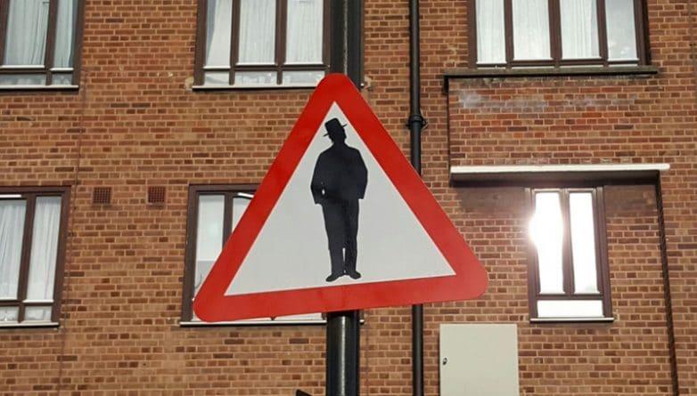 Общество: В Stamford Hill появился знак «Берегись евреев»