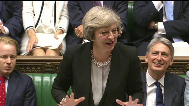 Политика: Вопросы премьер-министру: социализм против конкуренции