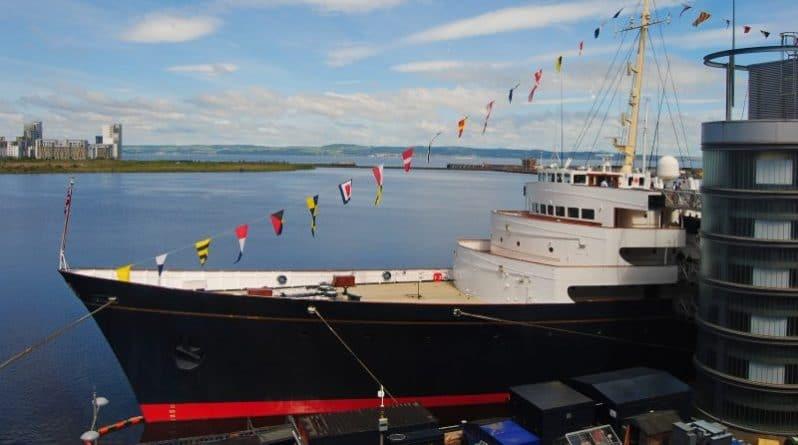 """Политика: Правительство может заменить королевскую яхту """"Британия"""""""