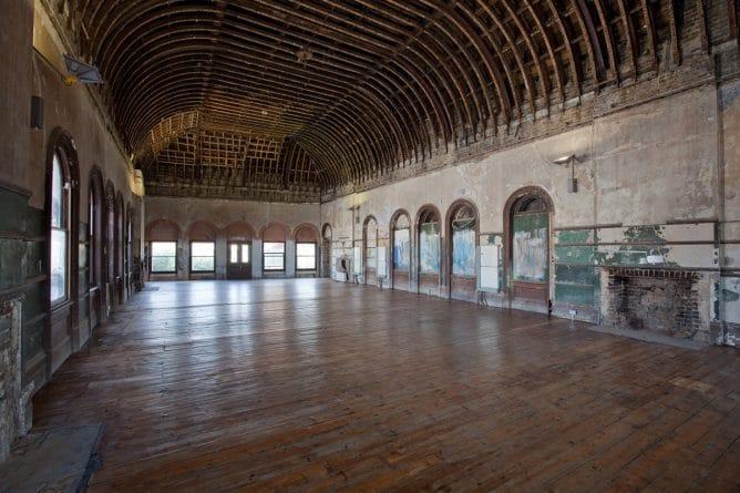 Недвижимость: Станция метро Peckham Rye вновь обретет свое викторианское величие