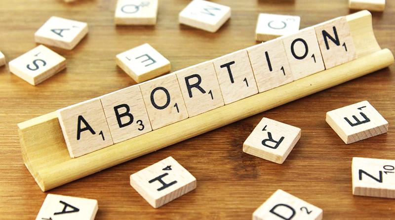 Закон и право: Законопроект о легализации абортов прошел первое чтение в Парламенте