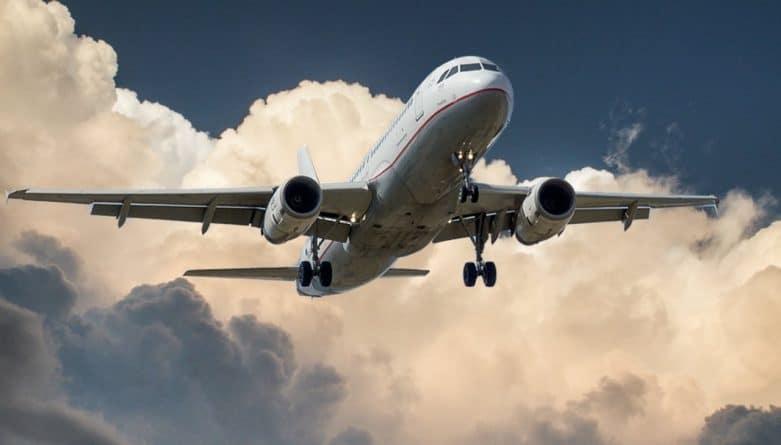 Путешествия: Великобритания расширила список предметов, запрещенных на самолетах