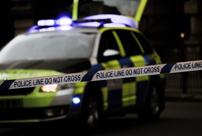 Происшествия: Полиция разыскивает мужчину подозреваемого в попытке похищения двух школьниц