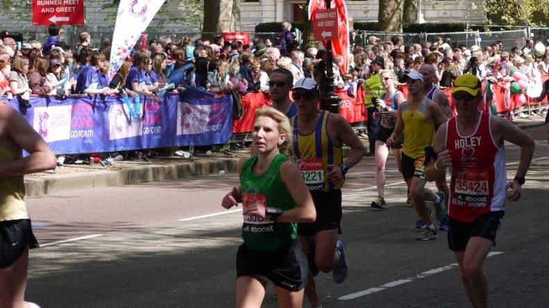 Общество: Власти Лондона усилят меры безопасности на время ежегодного марафона