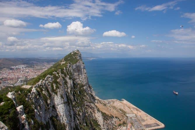 Политика: Борьба за Гибралтар: Испания намерена поддержать независимость Шотландии