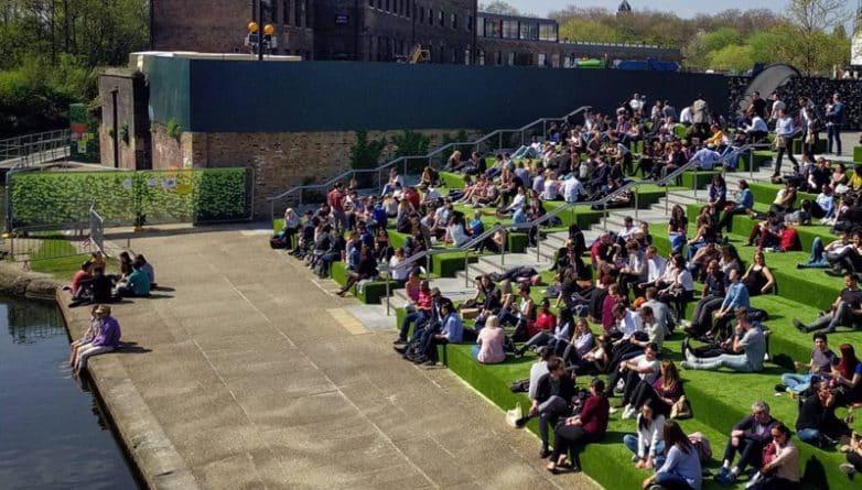 Досуг: «Травяные» ступеньки вернулись в King's Cross