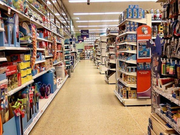 Бизнес и финансы: Часть магазинов Tesco прекратит круглосуточную работу