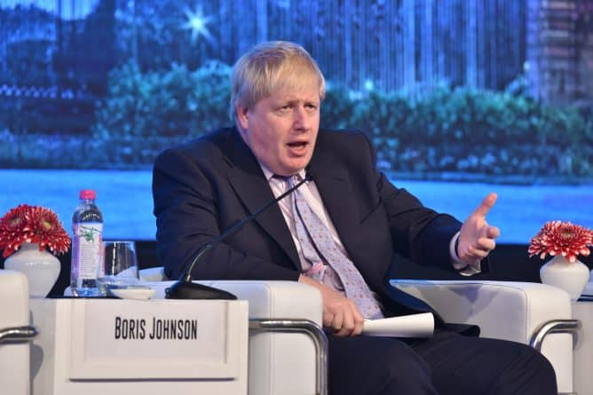 Политика: Новый дипломатический скандал: Джонсон окончательно отменил поездку в Россию