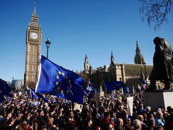 Политика: Глава Европарламента допускает отмену Brexit