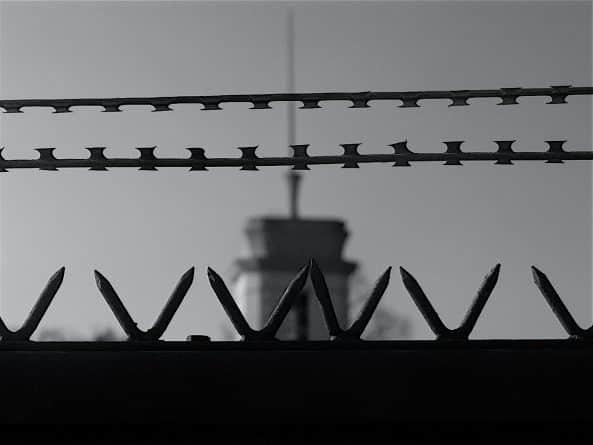 Общество: Силовики будут бороться с радикализацией заключенных в тюрьмах