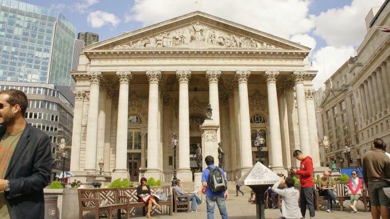 Бизнес и финансы: Банк Англии заявил о рисках для экономики из-за роста кредитной просрочки