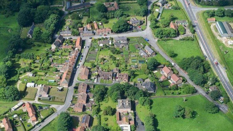 Недвижимость: Деревня Уэст-Хеслертон продана целиком за £20 миллионов