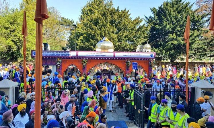 Общество: Тысячи лондонцев собрались на улицах города чтобы отметить праздник Вайсакхи