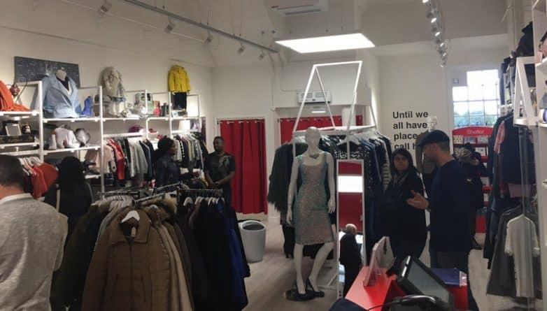 Общество: Женщина потратила 1 600 фунтов в двух благотворительных магазинах в Crouch End