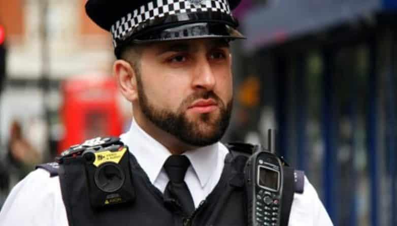 Общество: Полицейские в Hackney начали носить нательные камеры