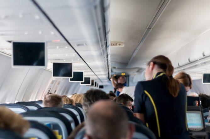 Закон и право: «Аэрофлоту» не нужны стюардессы с лишним весом