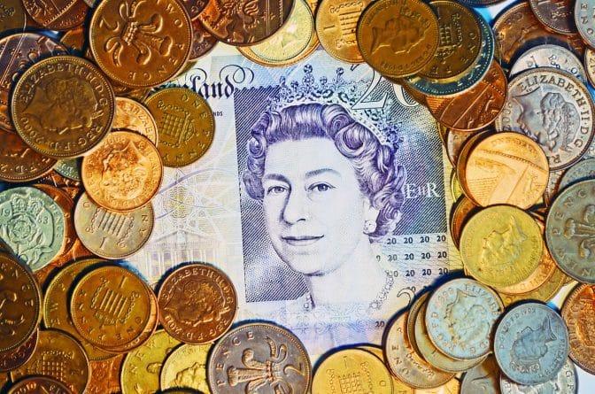 Бизнес и финансы: Фунт стерлингов вырос в цене из-за увеличения спроса со стороны трейдеров