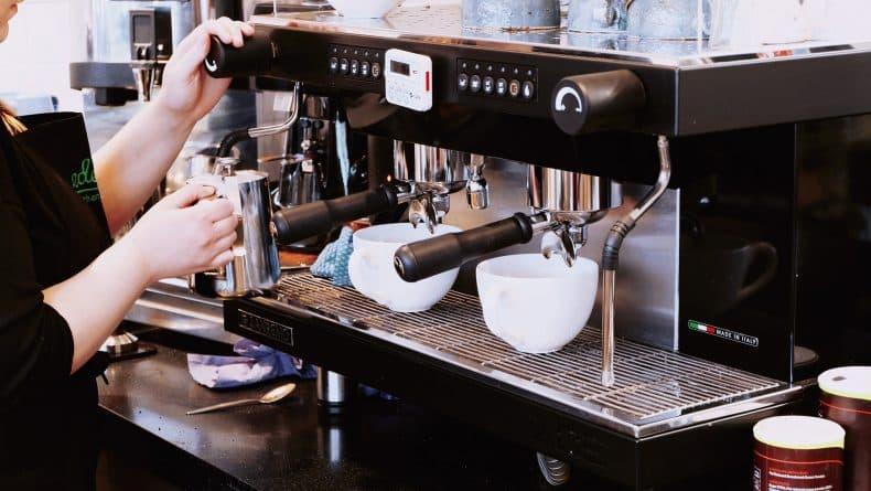 Общество: Закусочные Pret a Manger и Paul предлагают скидку на кофе тем, кто придет со своей посудой