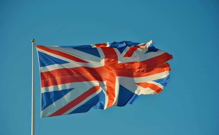 Общество: Brexit может спровоцировать массовый выезд иностранцев из Британии