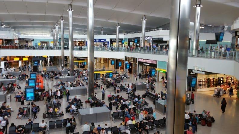 Общество: Эксперты призвали Лондон ввести пятилетний запрет на прием неквалифицированных мигрантов