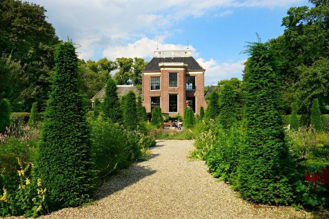 Недвижимость: Эксперты советуют британцам заработать на продаже европейской недвижимости