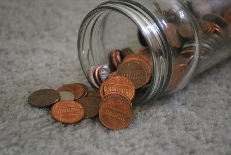 Почти половина работающих британцев совсем не имеют сбережений
