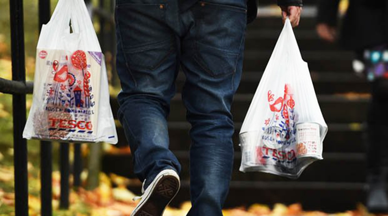 Бизнес и финансы: В Tesco прекратят продажу одноразовых пакетов?