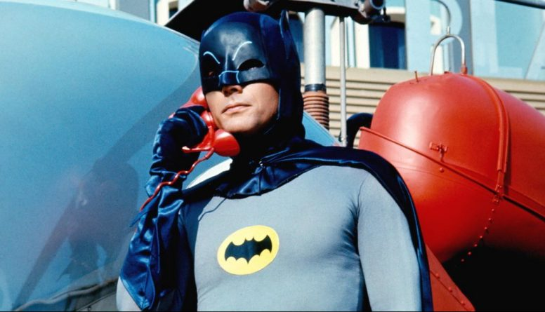 Знаменитости: Скончался артист Адам Уэст, исполнявший роль Бэтмена в 1960-х годах