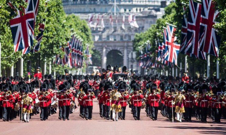 Знаменитости: Сегодня в Лондоне отмечают официальный день рождения королевы