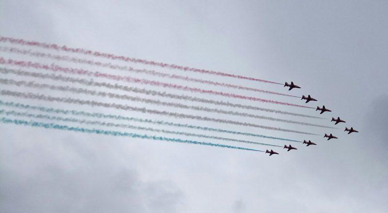 Популярное: Сегодня по всей Великобритании пройдет День вооруженных сил