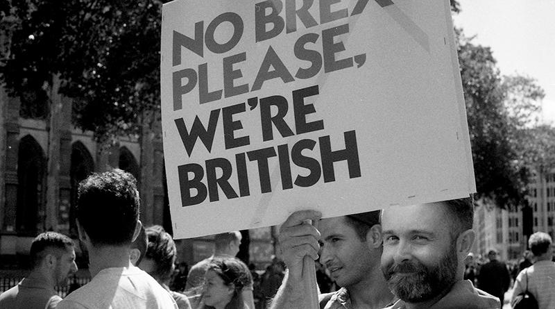 Политика: Половина квалифицированных работников покинет Великобританию