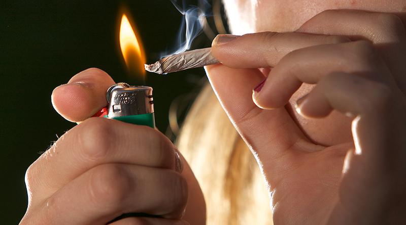 Здоровье и красота: Британские курильщики стали меньше умирать от инсультов