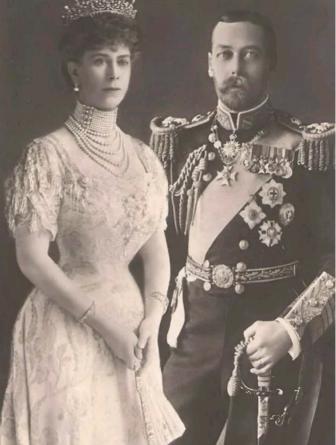 Сто лет назад королевская семья сменила фамилию на Виндзор